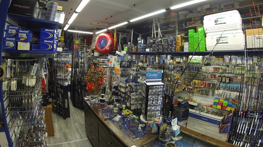 Interno negozio Nautica Inn - pesca-sub-nautica