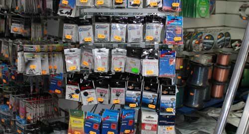 accessori per terminali, espositore con pacchetti di accessori